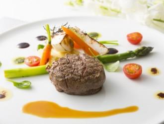 国産牛肉のステーキ